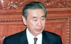 衆院本会議で代表質問する羽田孜氏(1997年)