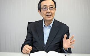 「経営者に読んでほしい。この本は受験でいえば『赤本』」と語る八田進二・青山学院大学大学院教授