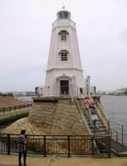 現存する木造灯台としては国内最古とされる旧堺灯台(堺市)