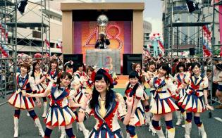アイドルグループAKB48のヒット曲「恋するフォーチュンクッキー」は、ネット上に多くの関連動画がアップされている(C)AKS