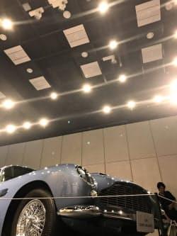 スマート照明サリオを多数設置。自在に動かしたり、明るさを変えたりできる(東京・港)