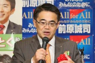 立候補予定者の会合に出席した愛知県の大村知事(29日、愛知県岡崎市)