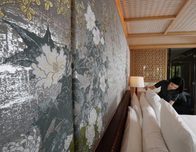 フォーシーズンズホテル京都の最高級客室の内装に採用された