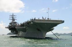 米空母の香港寄港は3年ぶり(2日、香港)