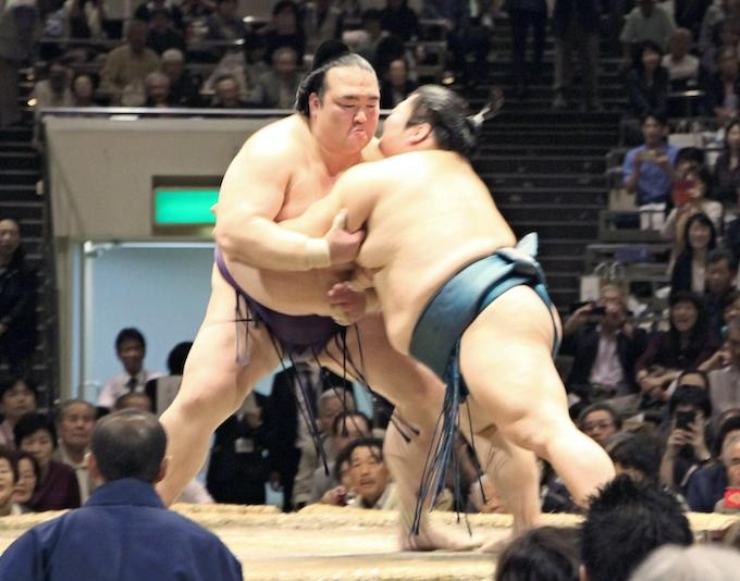稀勢の里が2連覇 大相撲の全日本力士選士権: 日本経済新聞