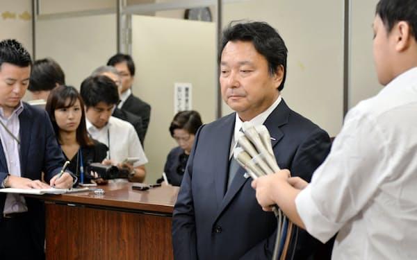 初公判後、記者会見する電通の山本敏博社長(9月22日午後、東京・霞が関)