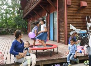 「浜風の家」で遊ぶ子どもたち(兵庫県芦屋市)