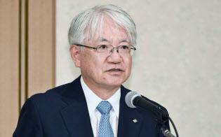 神戸製鋼所の川崎会長兼社長は品質不正の責任をとって辞任する方針を固めた