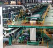 神戸製鋼所はアルミパネル材に積極投資していた(写真は中国天津市の工場)