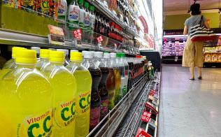 「CCレモン」は20年で3割超値下がりした(東京都江戸川区のいなげや江戸川船堀店)