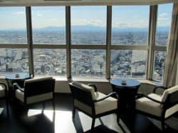 44階のバーからは富士山などが一望できる