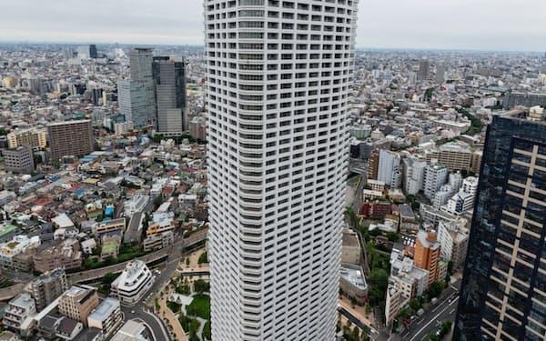 60階建てのマンションは日本で最高階数となる(ザ・パークハウス西新宿タワー60の外観)