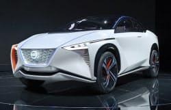 公開された日産自動車の「IMx」(25日午前、東京都江東区の東京ビッグサイト)