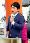 将来のリーダーと目される小泉氏は衆院選の応援弁士としても引っ張りだこだった(14日、京都市)=共同