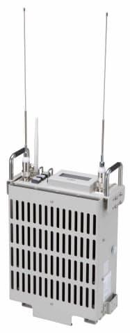 無線機の重量は8.5キログラムに抑え、持ち運びが可能
