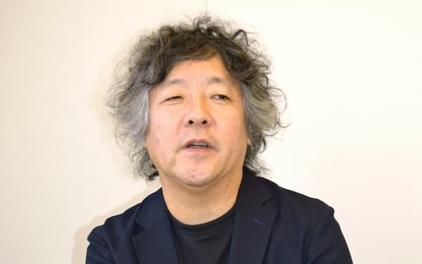 インタビューに答える茂木健一郎氏