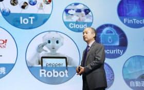 ソフトバンクグループの孫社長はIoT時代に向けて積極的に投資をしている(8月、東京都中央区)