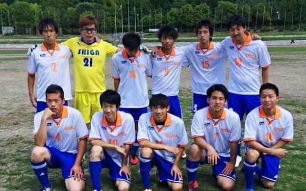 橋本(後列左端)は関西選抜の一員に選ばれた