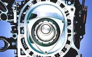 ロータリーエンジンはコンパクトで車体を低重心にできる