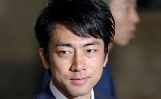 今回の衆院選で4度目の当選を果たし、国会に登院した小泉進次郎氏(11月1日午後)=共同