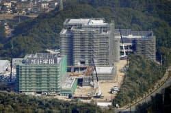 加計学園が建設中の岡山理科大獣医学部(6日、愛媛県今治市)