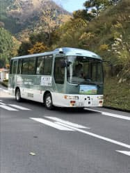 国土交通省や愛知製鋼などが参加する自動運転の実証実験が11日始まった(滋賀県東近江市)