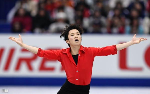 NHK杯フィギュア男子フリー 演技する友野一希(11日、大阪市中央体育館)=共同