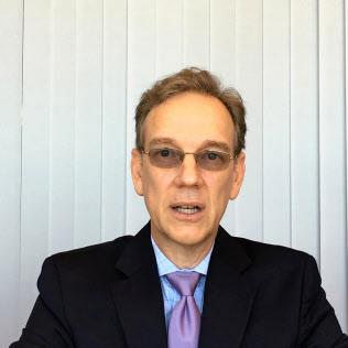 ロバート・ラブレス 米キャピタル・グループ副会長