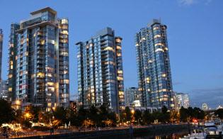 バンクーバーの高層マンションは住人のいない部屋が多い