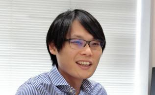 法政大学経営学部の永山晋専任講師は「日本企業の生産性向上のモデルとなるのは、大胆な事業再編を断行した日立製作所」と語る