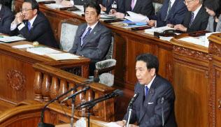 衆院本会議で枝野氏の代表質問を聞く安倍首相(20日午後)