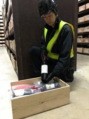 ワインに適した専用倉庫で熟成させる