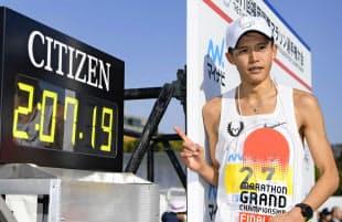 福岡国際マラソンに出場した大迫は日本歴代5位のタイムでゴールした=共同