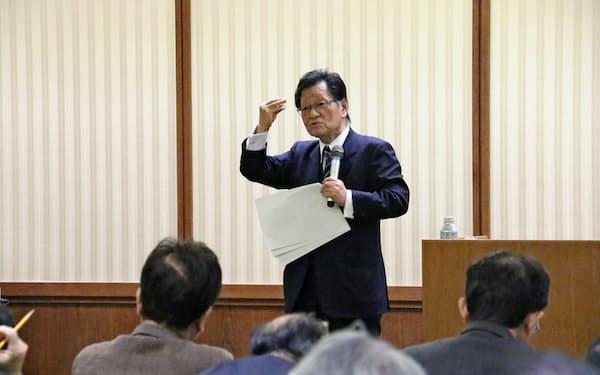 愛知県議会は神野直彦東大名誉教授を講師に招いた講演会を開いた(8日、名古屋市中区)