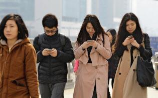 中国はスマホを通じてSNSなどのネットサービスが市民に浸透