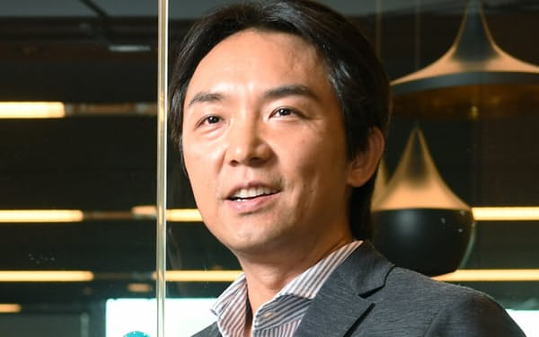 1997年東大法卒、日本興業銀行(現みずほ銀行)入行。2003年から米大手VCのDCM本社パートナー。13年8月、ベンチャー支援組織のWiL(ウィル)を設立。