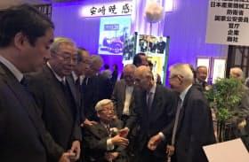 「感謝の会」を開いたコマツ元社長の安崎暁さん(出席者提供)