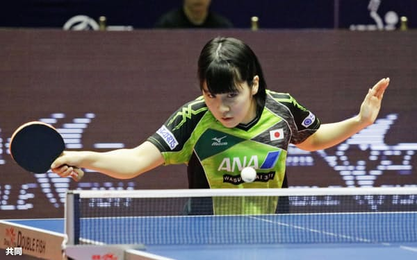 女子シングルス1回戦で中国選手に敗れた平野美宇(14日、アスタナ)=共同