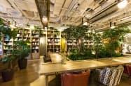 六本木ヒルズの「パークシックス」は書籍コーナーを併設する