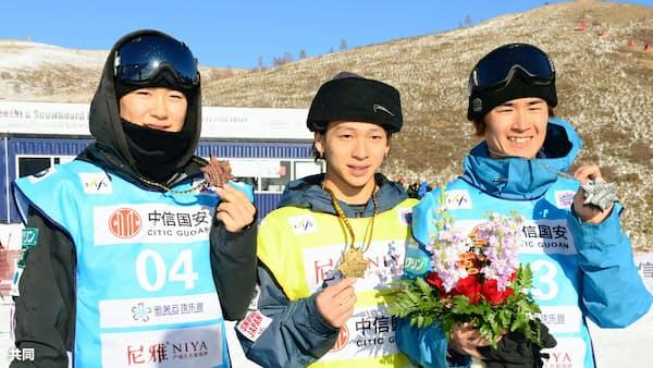 平野ら日本勢が表彰台独占 スノボW杯、女子冨田は2位