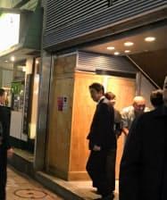 クリスマスの夜、首相は長いつきあいの公明党議員らと銀座ですしを食べました。