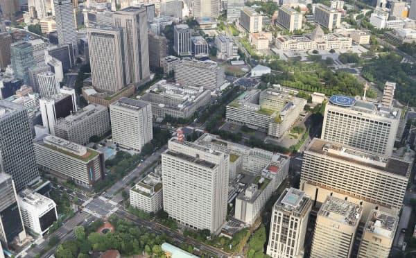 テレワークはほとんどの省庁で実施例があるが、一斉に数万人規模で取り組むのは初めて(霞が関の官庁街)
