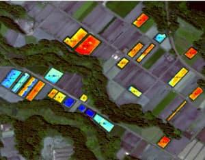衛星で分散する茶畑の生育状況を把握する