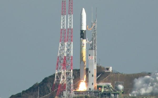2017年6回目の打ち上げになった(23日、鹿児島県の種子島宇宙センター)
