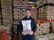 金崎氏は「金崎さんちのお米」というブランドで年間約190トンをネットなどで販売している(飯山市)