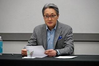 取材に応じるソニーの平井一夫社長(9日、米ラスベガス)