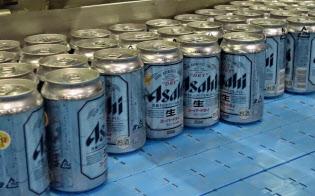 国内のビール市場はスーパードライ発売前の規模に戻った(茨城県守谷市のアサヒビールの茨城工場)