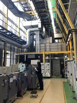 CONNEXX SYSTEMSは機械工作を学ぶスペースだった空間に大容量蓄電池の実験設備を入れている