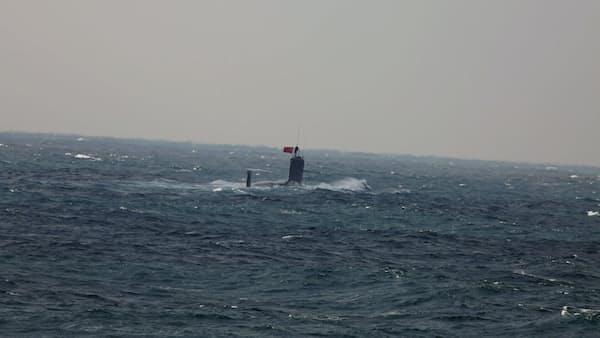 尖閣の接続水域潜行の潜水艦、中国軍所属を確認