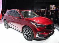 ホンダが公開した2018年半ばに発売する高級車「アキュラ」のSUVのプロトタイプ(15日、デトロイト)=井上昭義撮影